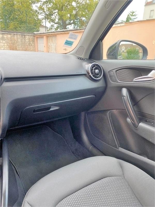 Audi A4 AVANT 2.0 TDI 150 BUSINESS LINE S-TRONIC GAR CONSTRUCTEUR