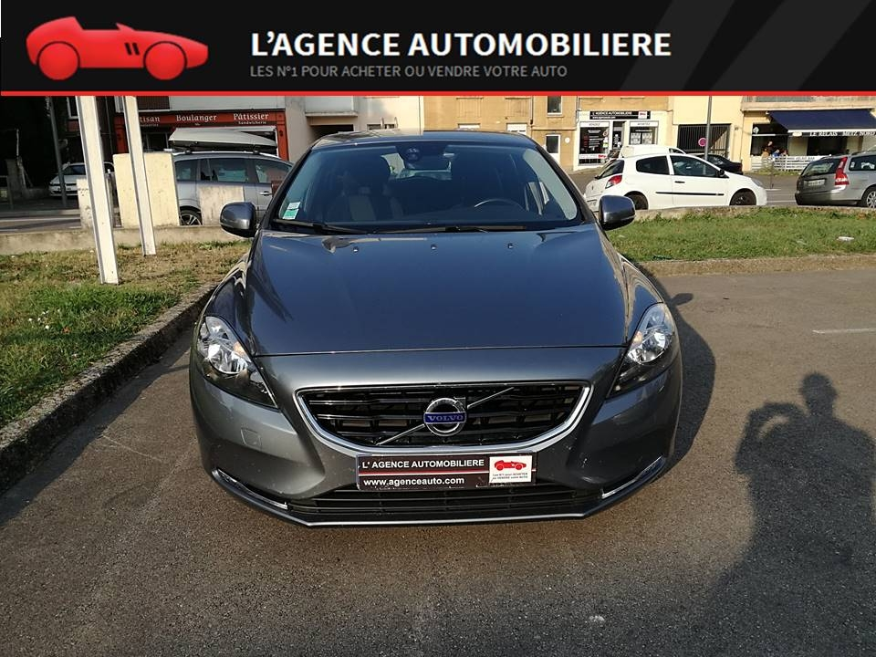 Volvo V40 2.0L MOMENTUM 150 Ch GEARTRONIC6