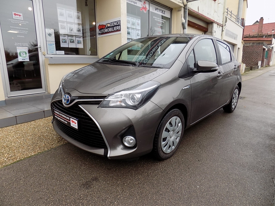 Toyota Yaris Hybrid 100 Dynamic 5 portes